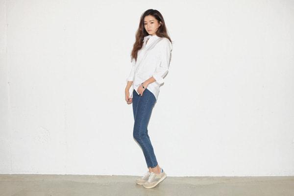 Học theo 4 cách kết hợp giày thể thao của Song Hye Kyo trong