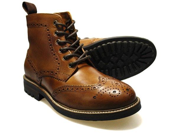 Brogue boots - kiểu giày nên có trên kệ của bất cứ người đàn ông nào
