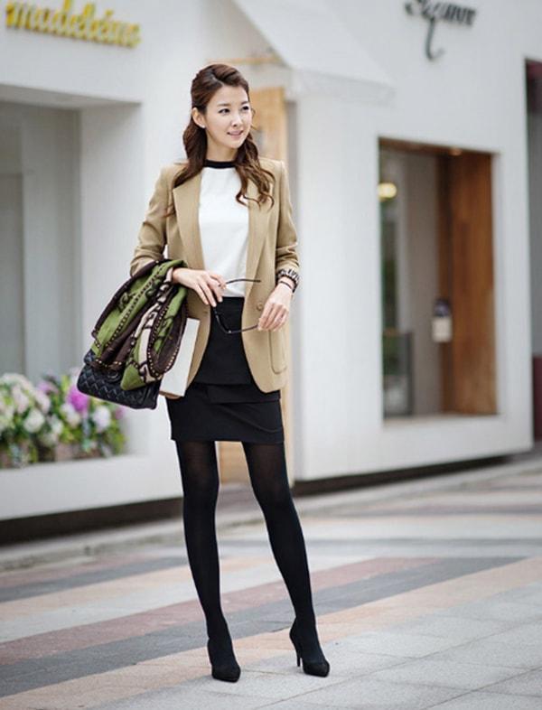 Áo vest dạ mix cùng chân váy bút chì