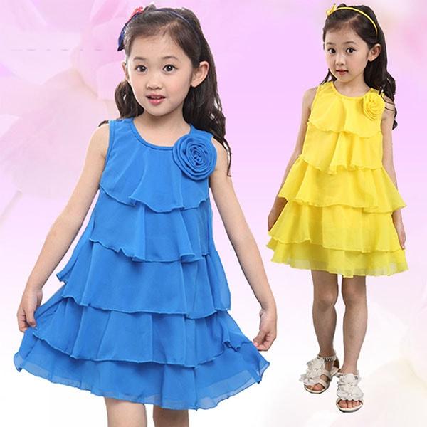 Dịp tết bé gái nên mặc váy ngắn, váy tầng, váy xòe hoặc xếp ly