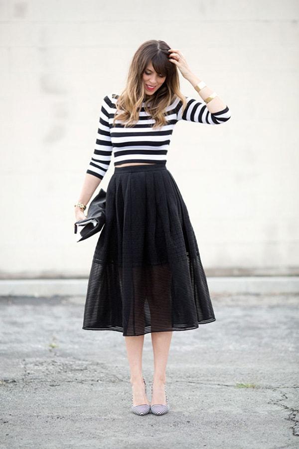 Mix váy cùng đồ mùa thu