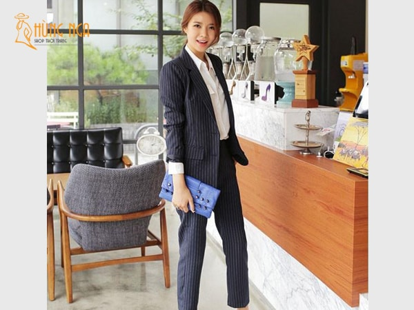 Bộ suit nữ thanh lịch