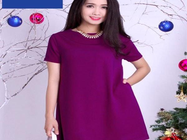 Mùa hè mẹ bầu nên chọn mua những dáng váy chữ A, váy suông cho thoải mái di chuyển