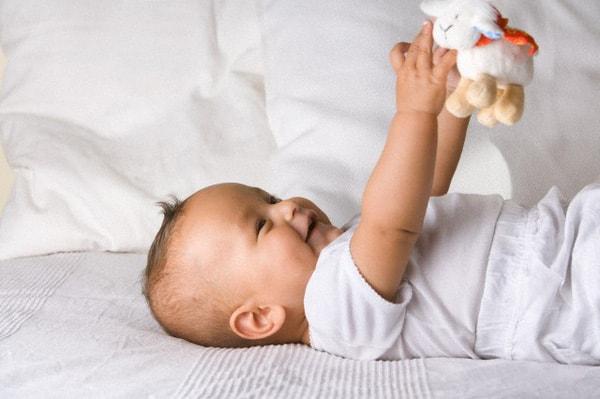 chọn quần áo cho trẻ sơ sinh 1