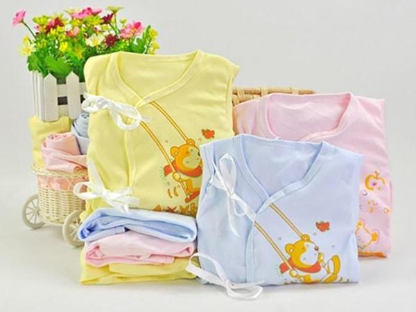 đồ dùng cần thiết cho trẻ sơ sinh mùa hè 1