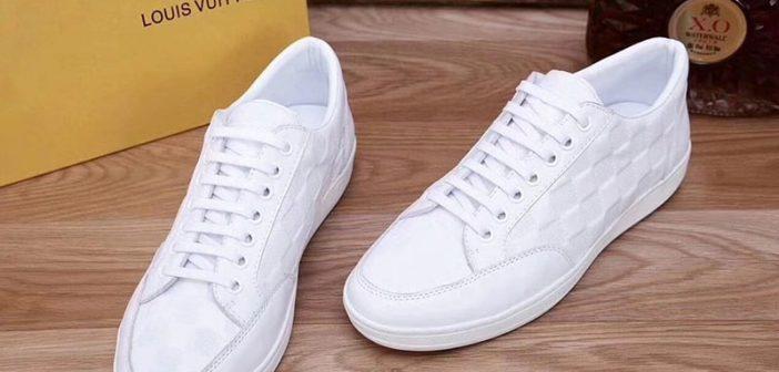 Giày Louis Vuitton chính hãng giá bao nhiêu?