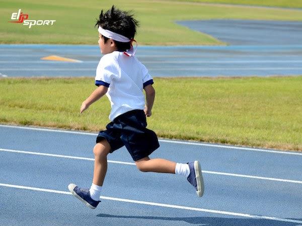 Chạy bộ giúp trẻ phát triển chiều cao